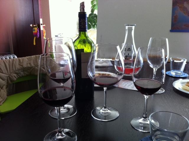 グラスの魔法 アイシュ おんなじワインを飲み比べると
