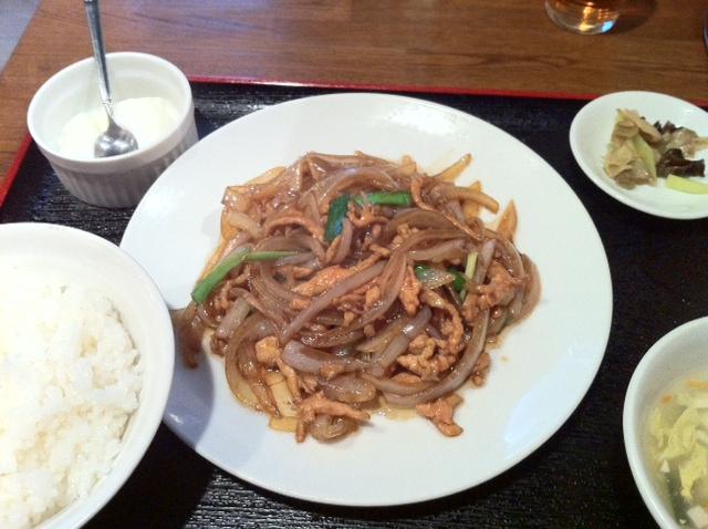 ランチは ¥580 祥福の 玉葱肉細切り炒め