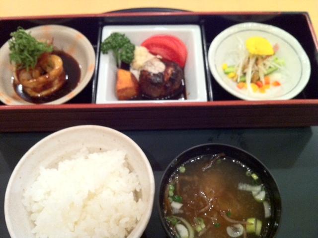 伊藤亭の 味箱定菜