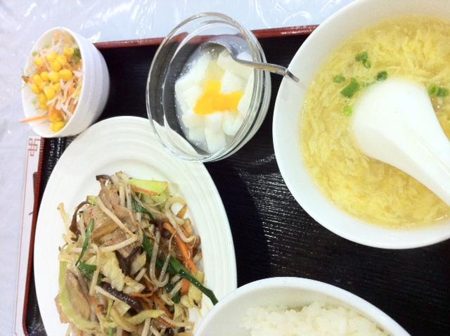 徳栄限の ¥550 野菜炒めランチ